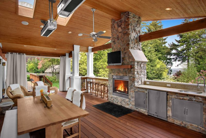 Outdoor Kitchen with A fireplace